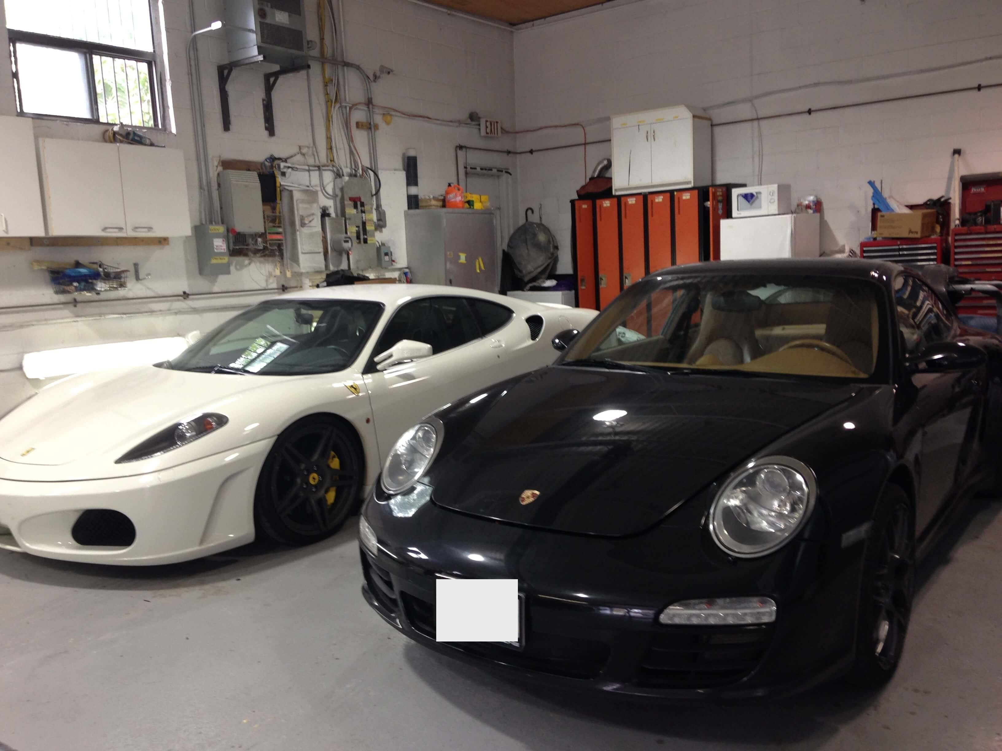Atlantico-Auto-Collision-Lamborgini-sport-cars